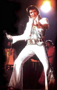 elvis-performing-white-jumpsuit15